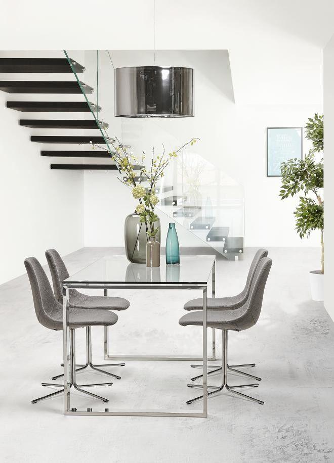 La chaise design OFEN à disposer autour d\'une table en verre pour un ...