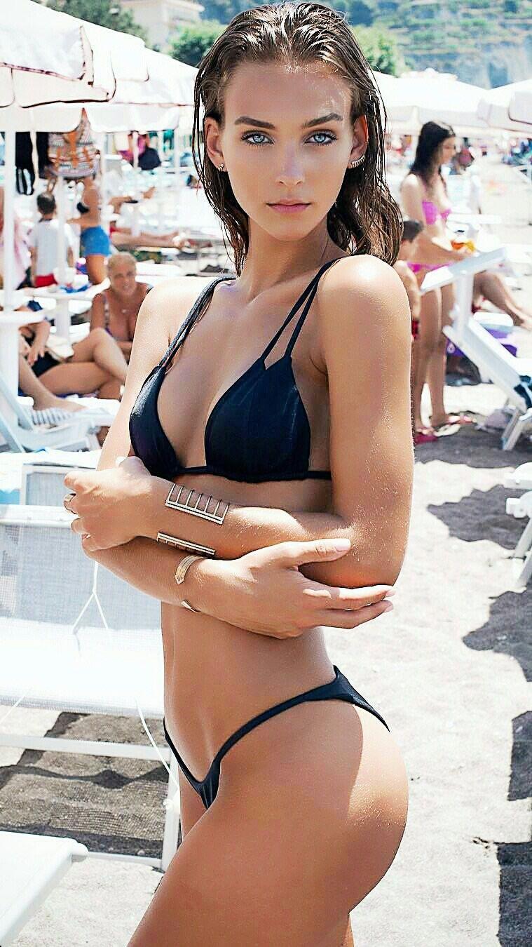 Girls In Y BikinisViejas Hermosas Mujeres HermosasChicas uPZwOiTkXl