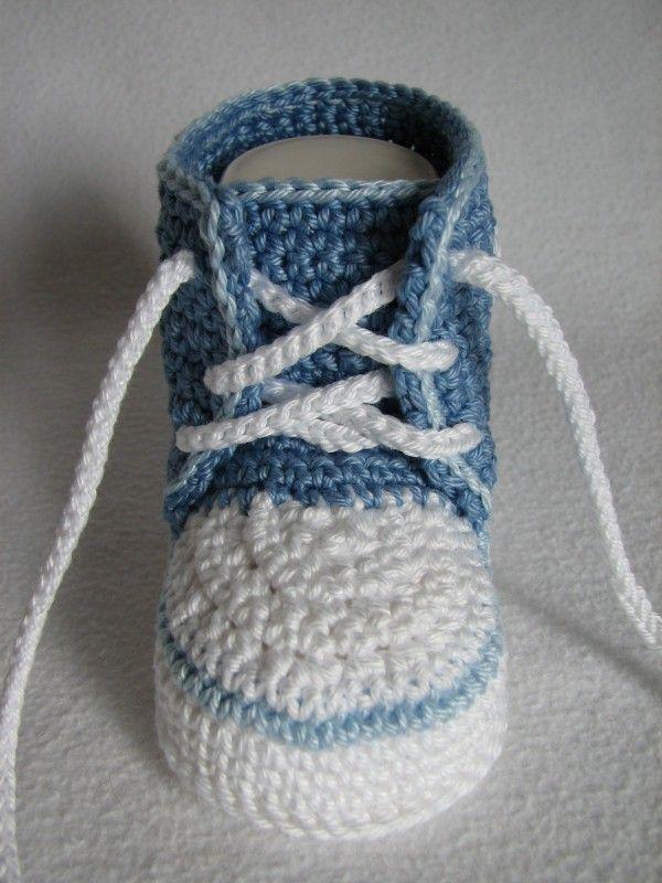Baby-Sneaker häkeln ▻ DIY Baby-Schuhe häkeln … | Pinteres…
