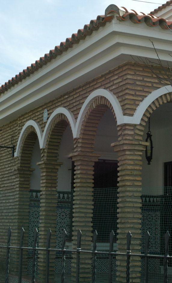 Casas De Ladrillo Rojo Con Arcos