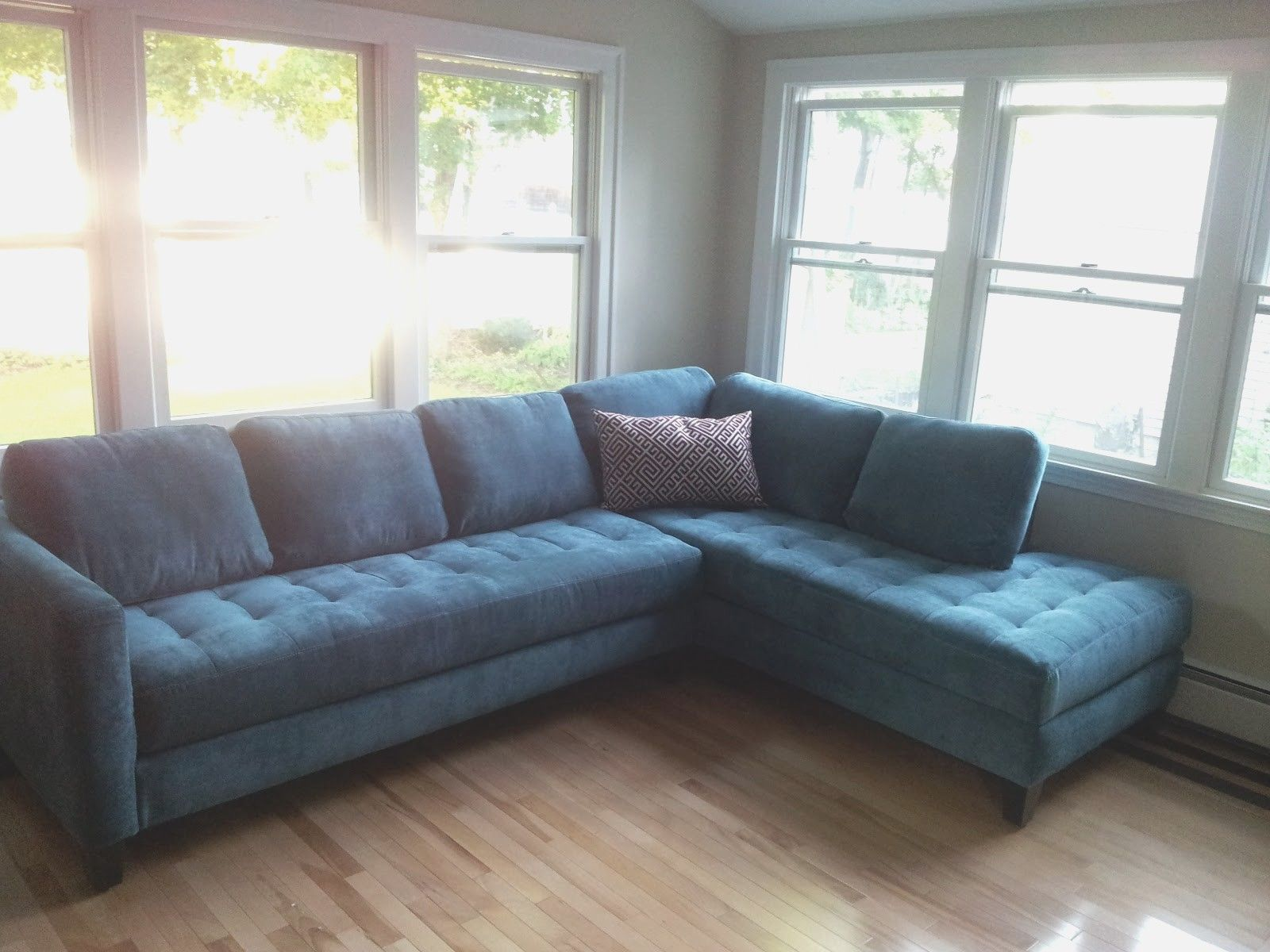 Sectional sofas for Small Living Rooms - arrange sectional ...