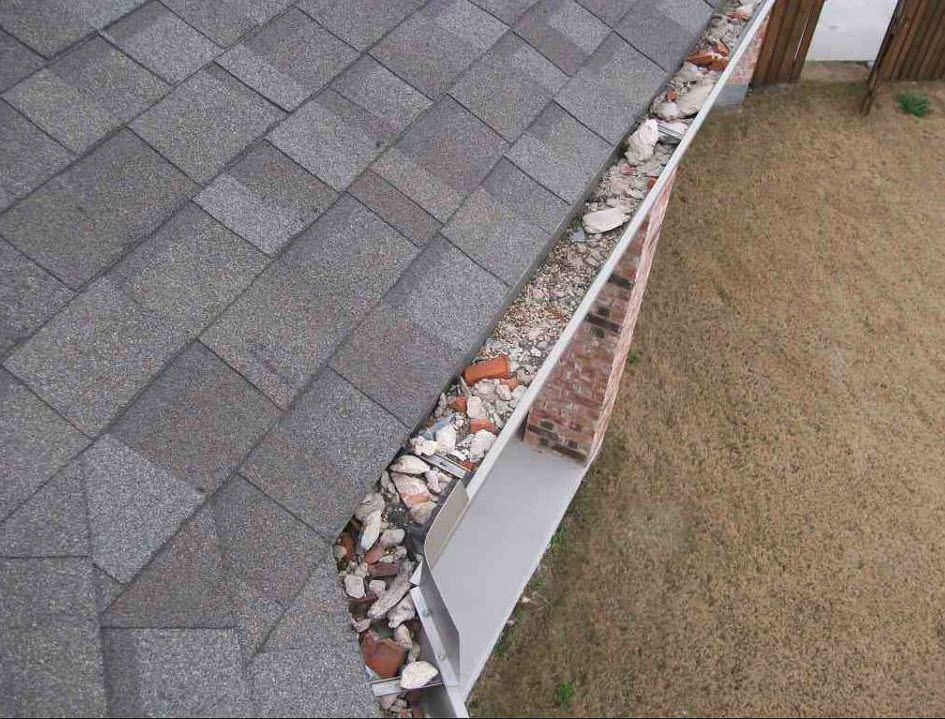 Just Because It S New Construction Doesn T Mean There S Not Issues The Gutters At This New Home Were Full O Home Inspection New Construction Construction Fails