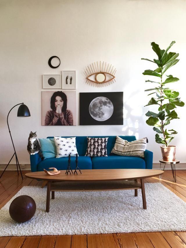 Einblicke In Das Vintage Wohnzimmer Von MiMaMeise Blaues Sofa Couchtisch Und Ein Flauschiger
