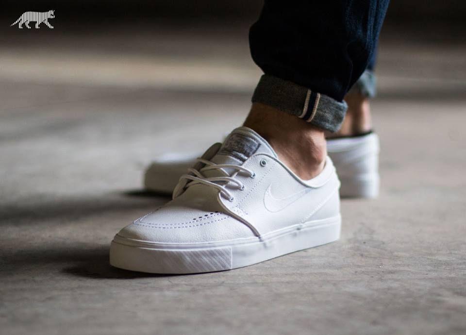 white on white Nike Stefan Janoski