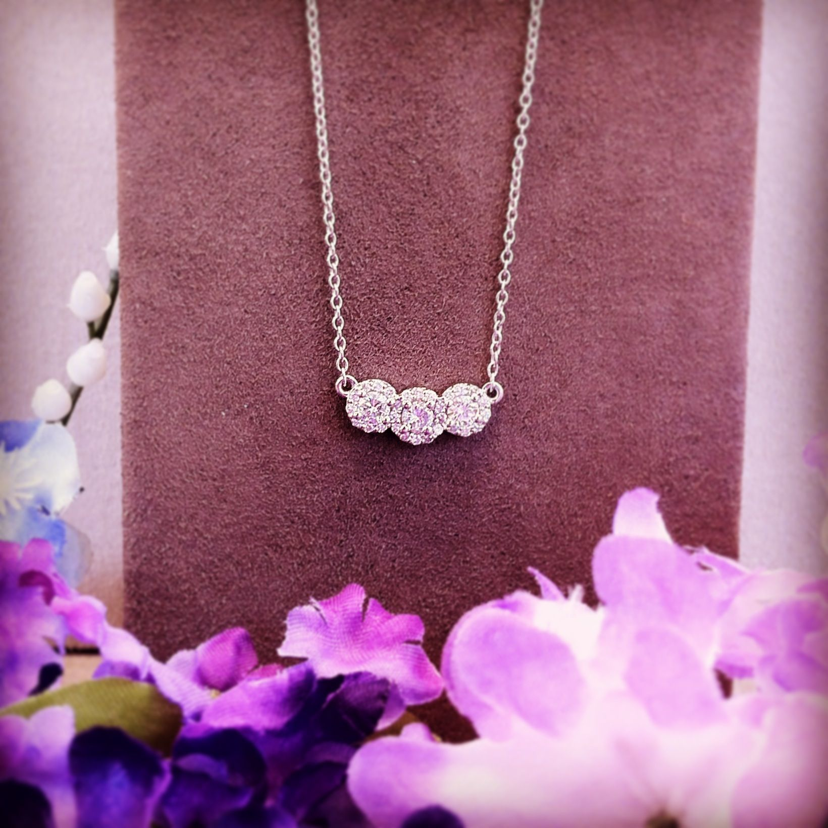 One of our gorgeous #custom pieces created with #family #heirloom ...