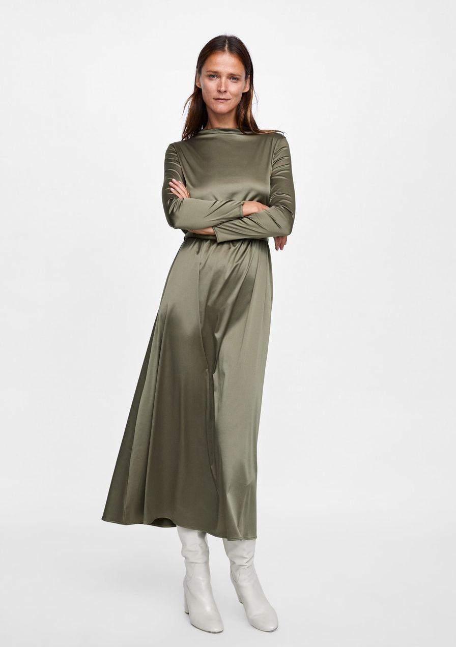 Satinkleider Die Schonsten Modelle Zum Shoppen Elle In 2020 Satinkleider Satinkleid Kleider