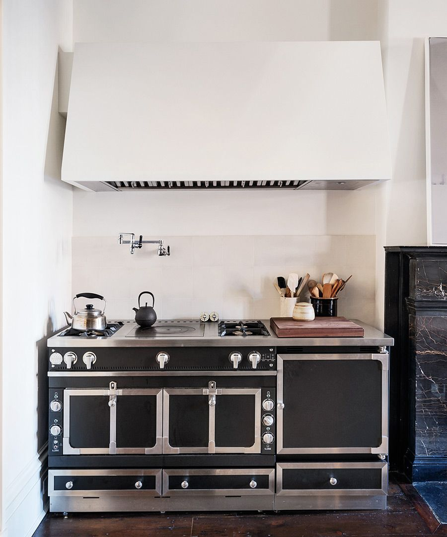 The Formal Eat-In Kitchen - 1839 Greek Revival Manhattan townhouse ...