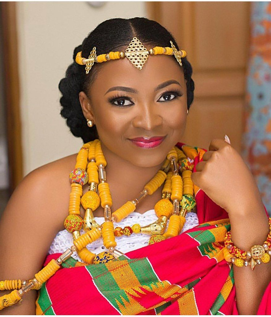 Ghana Engagements On Instagram Ghanaian Beauty Makeup Phab Hair African Traditional Dresses African Traditional Wedding Dress African Traditional Wedding