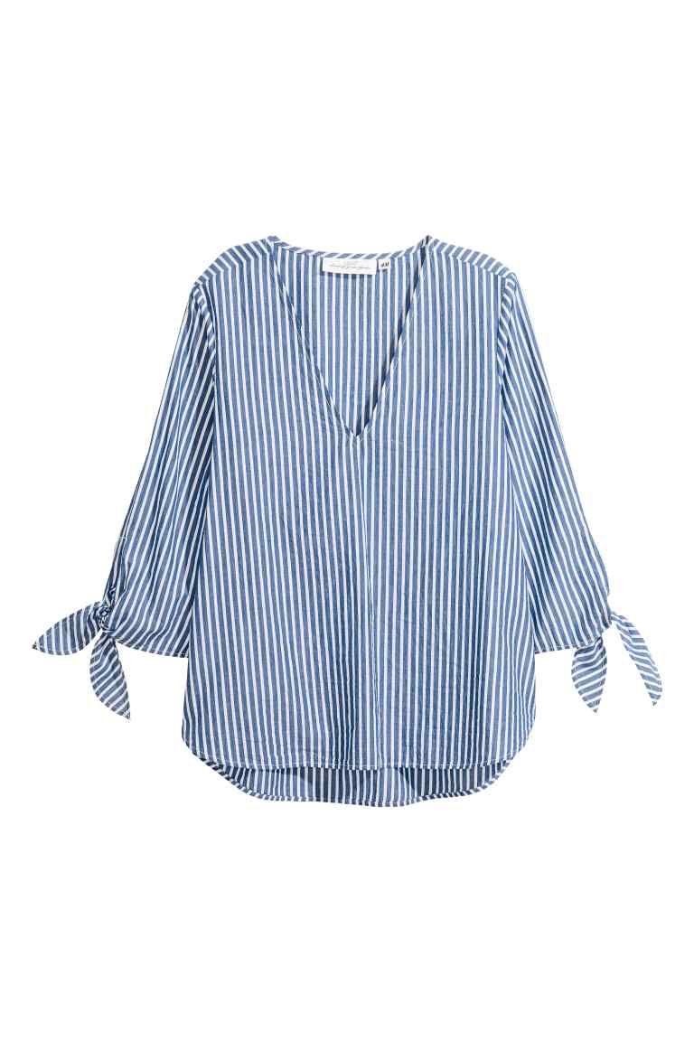 Prueba de Derbeville llenar Borrar  Блузка в полоску - Голубой/Белая полоска - Женщины | H&M RU | Sewing  blouses, Striped blouse, Blue striped blouse
