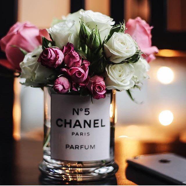 أفكار هدايا On Instagram هدايا هدية ورد أفكار هدايا هدايا زواج تنسيق هدايا تغليف تغليف هدايا بوكيه Flower Arrangements Perfume Bottles Beautiful