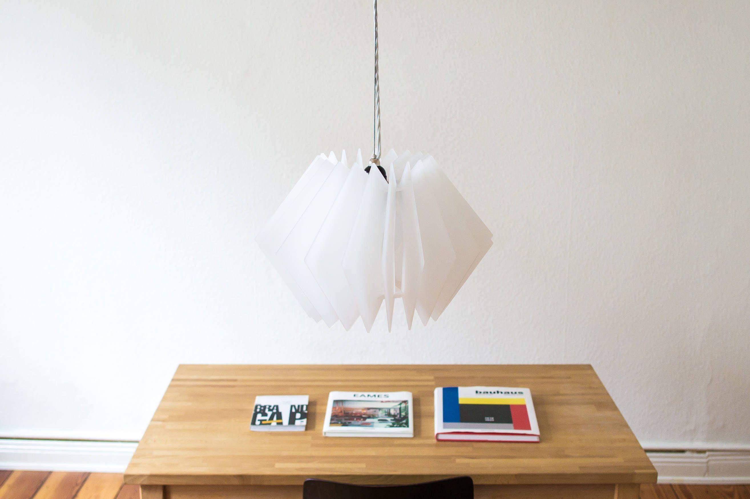 Die L16 Lampen Serie ist eine dekorative und handgefertigte Acrylglas Designer Lampe, in moderner Optik, für eine stimmungsvolle Beleuchtung in deinem Zuhause. Hängelampe, Tisch Lampe, Lampenschirm, Wohnzimmer leuchte, Deckenlampe, Design Lampe, Laser cut Einrichtung, Kinderzimmer Lampe, Beleuchtung von UnikatUndKleinserie auf Etsy