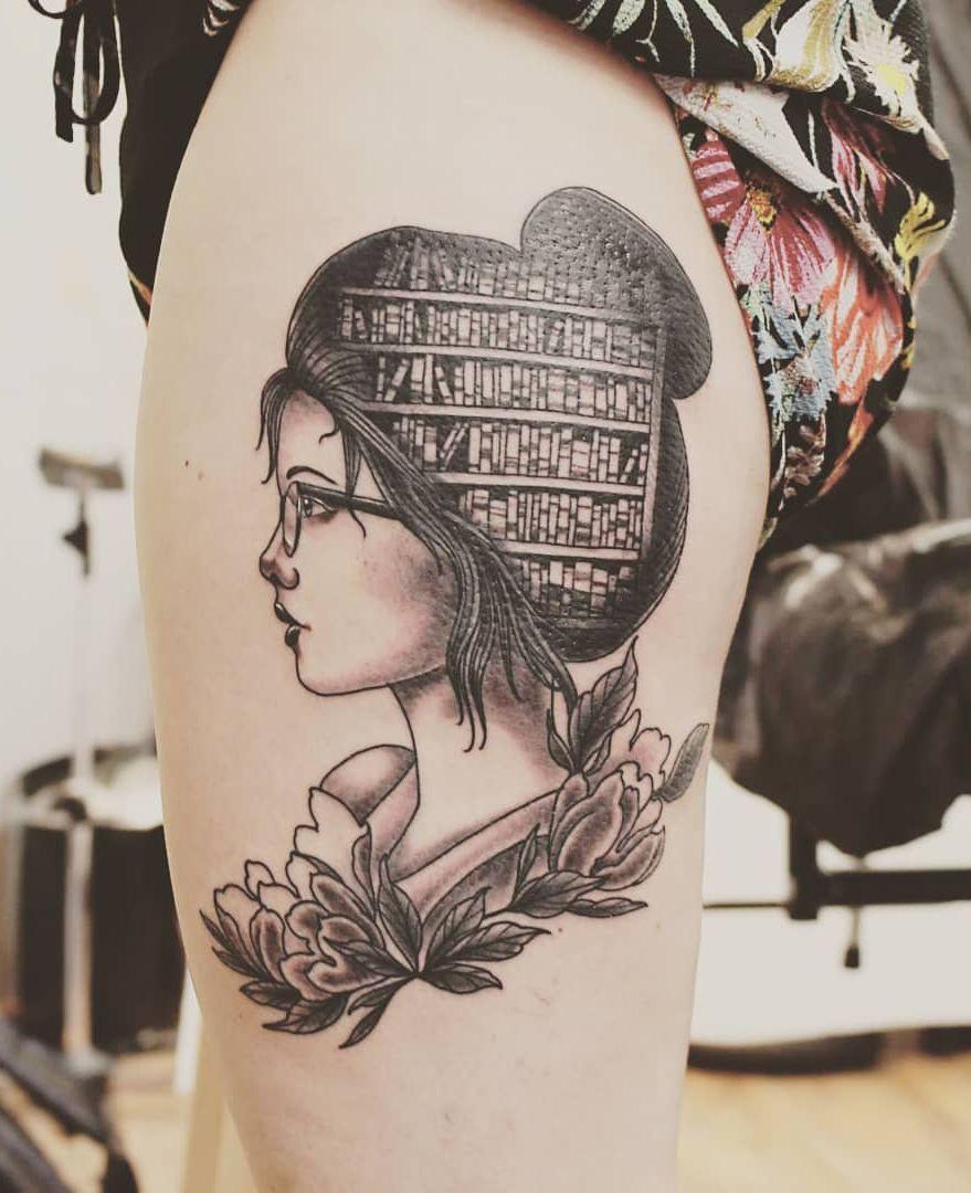 Beautiful Book Tattoo Ideas C Tattoo Artist Blutkunst Tattoosforwomen Book Tattoo Bookish Tattoos Tattoos