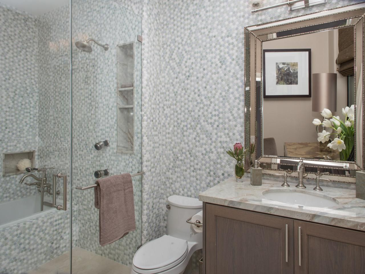 Before And After The Property Brothers Las Vegas Home Small Bathroom Makeover Small Bathroom Renovations Budget Bathroom Remodel