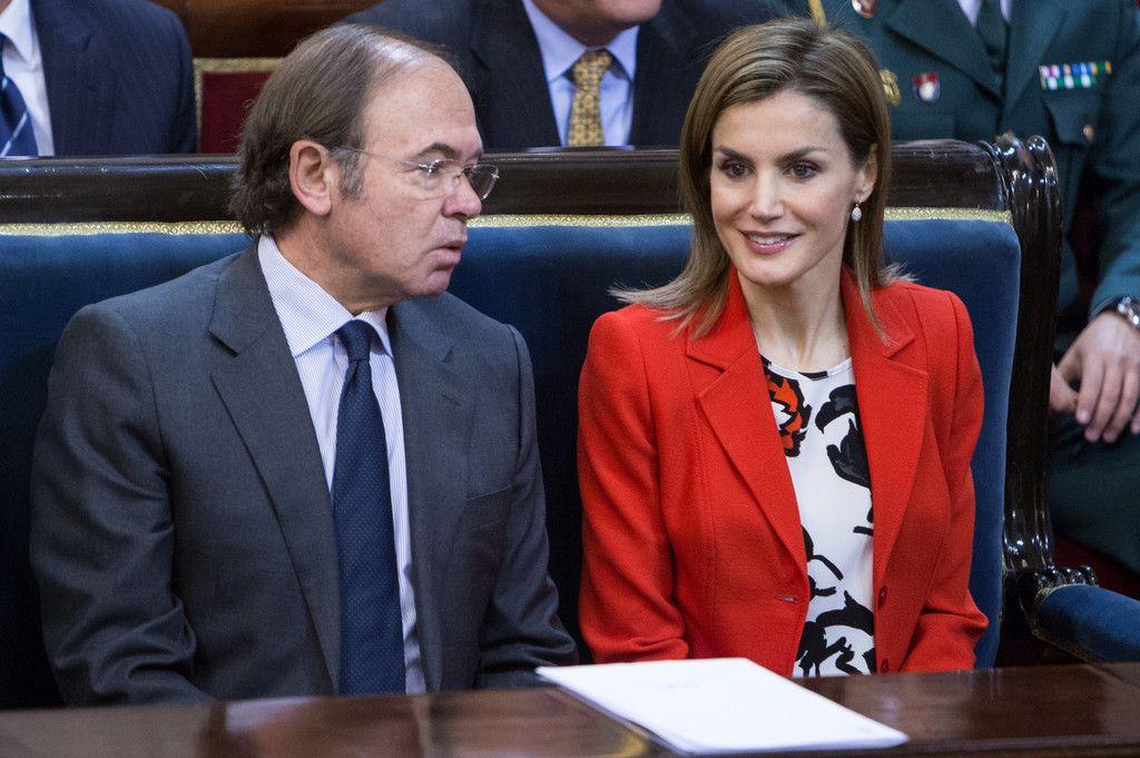 """Foro Hispanico de Opiniones sobre la Realeza:  S.M. la Reina Acto oficial del """"Día Mundial de las Enfermedades Raras"""" Palacio del Senado. Madrid, 05.03.2015"""