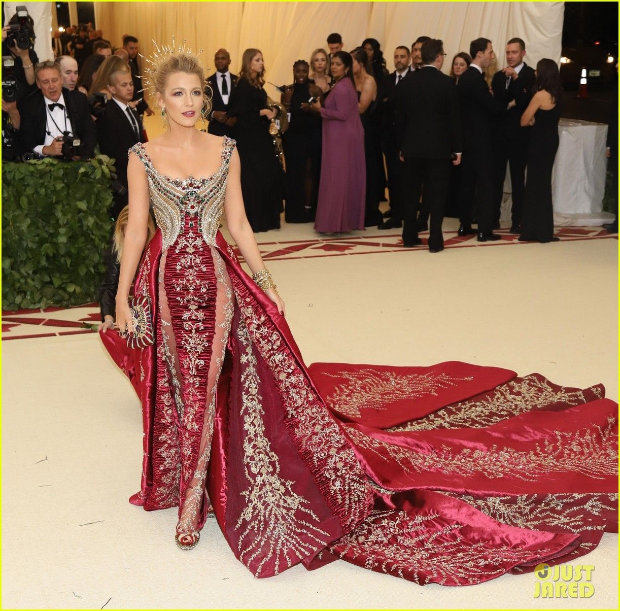 Blake Lively Wears Her Favorite Dress Ever To Met Gala 2018 Met Gala Dresses Met Gala Outfits Gala Dresses