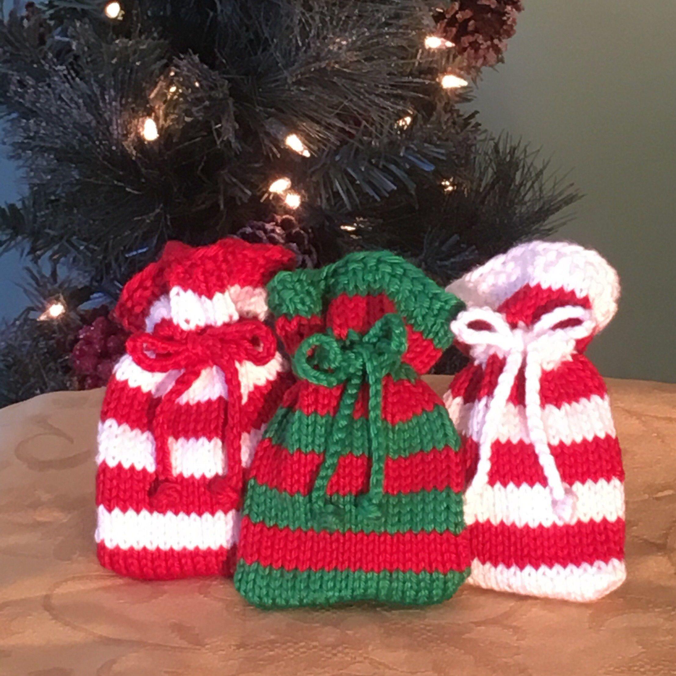 Stocking Stuffer Red White And Green Knit Sachet Gift Bag Jewelry Case Trinket B Christmas Crochet Patterns Christmas Knitting Patterns Christmas Knitting