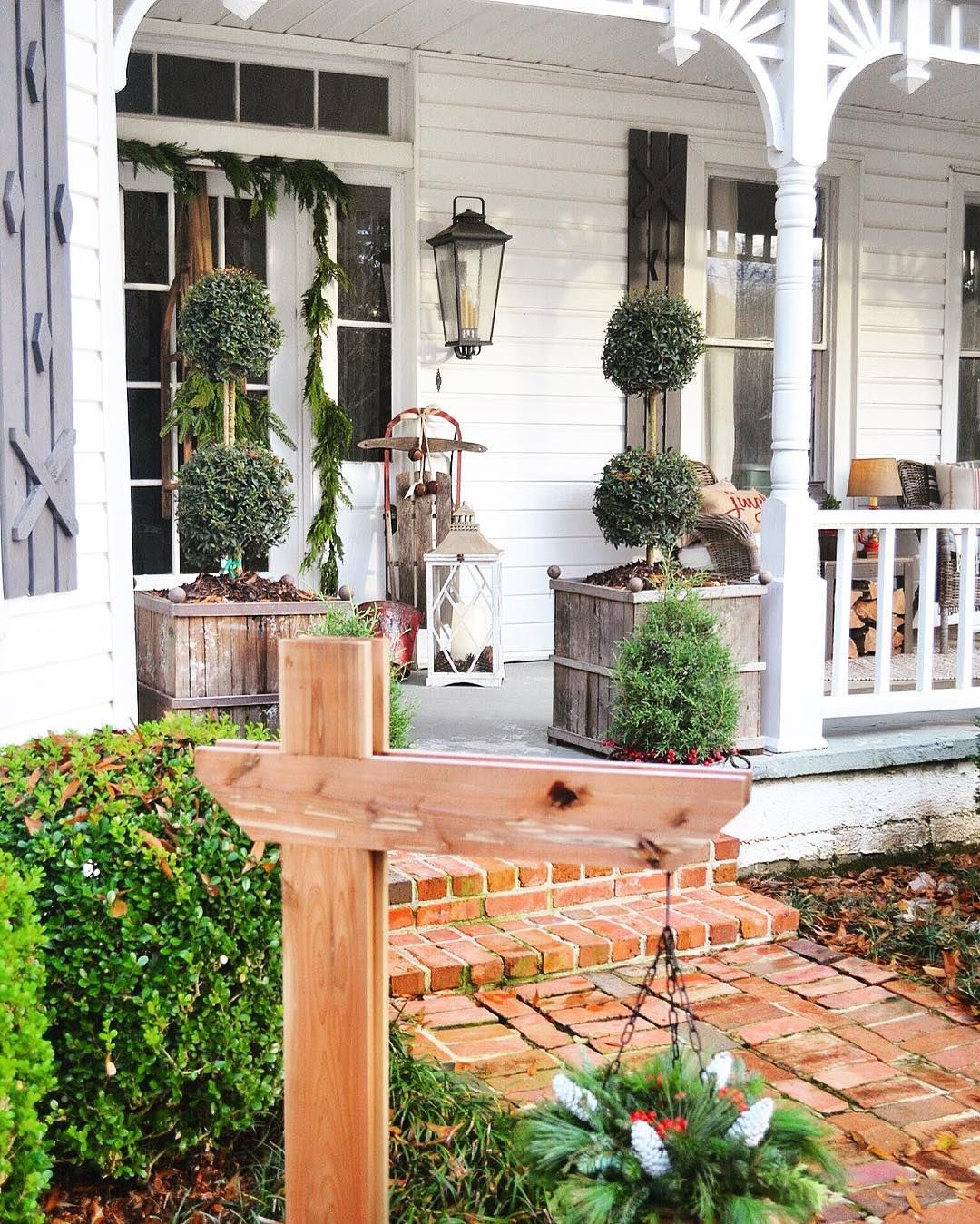 Christmas Porch   Little White House Blog