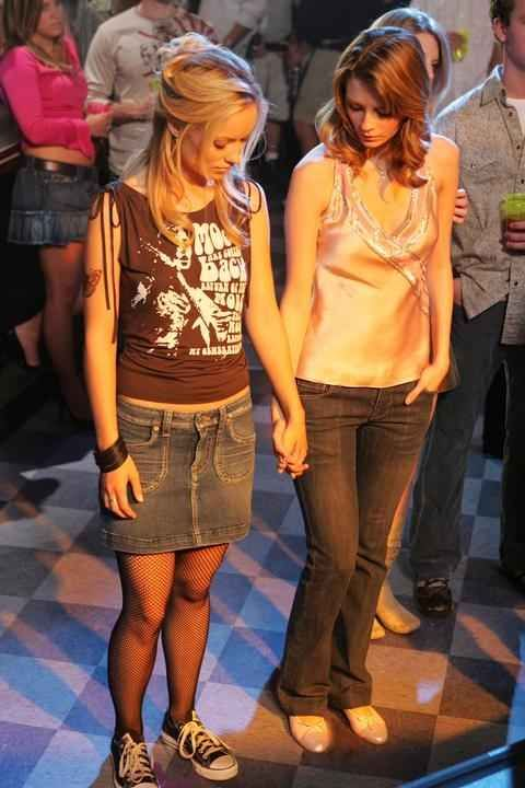27 Forgotten Early 2000s Fashion Trends 2000s Fashion Trends Early 2000s Fashion 2010 Fashion Trends