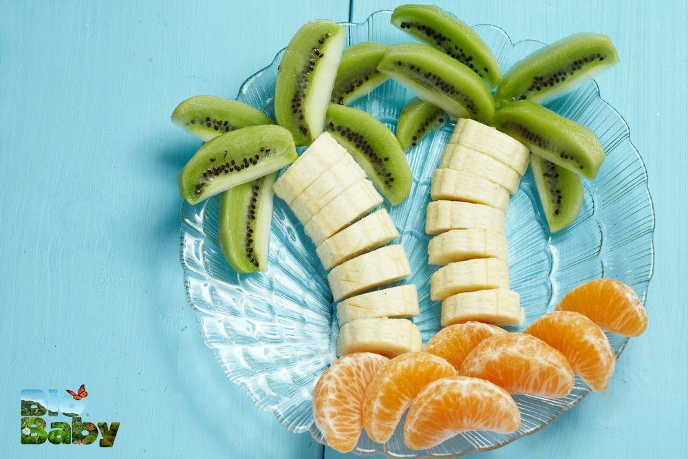 ¡Qué delicioso desayuno! Plátano, kiwi y mandarina.