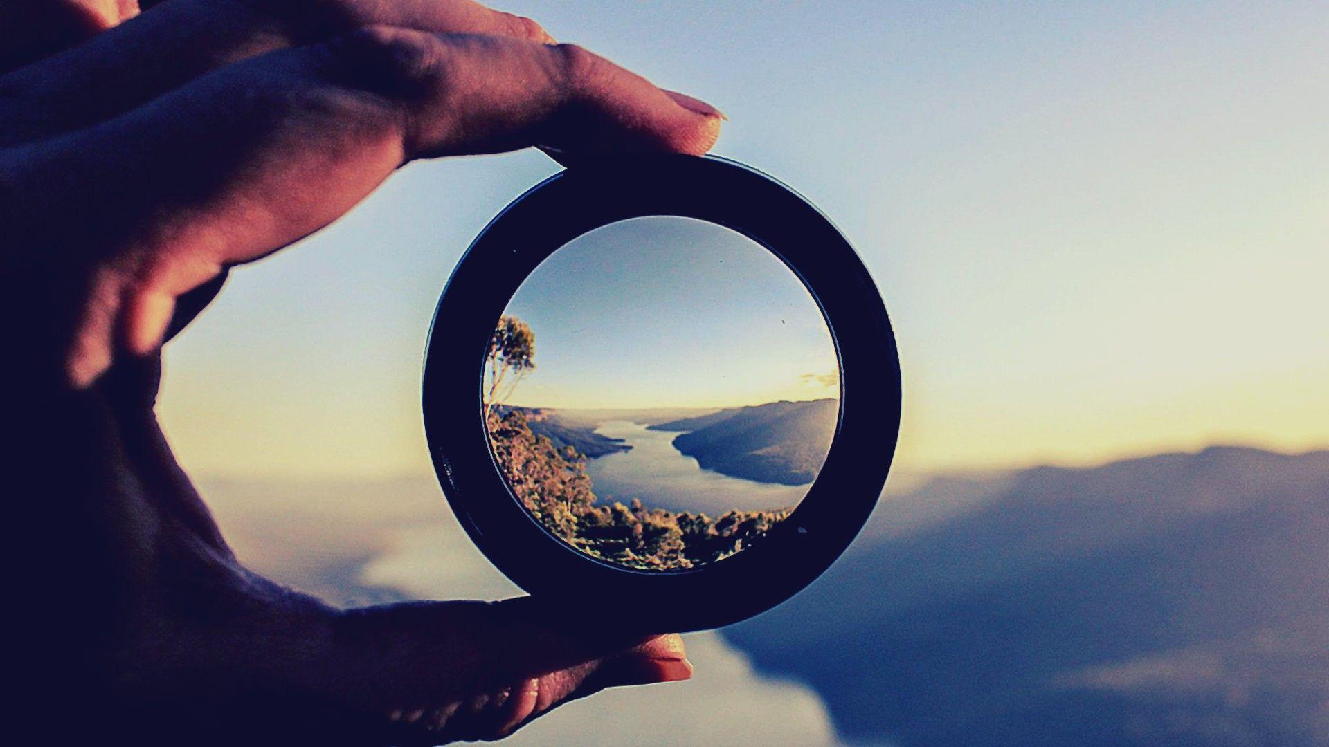 World Through Magnifying Glass Glass Magnifying World The - Artist creates art power sunlight magnifying glass