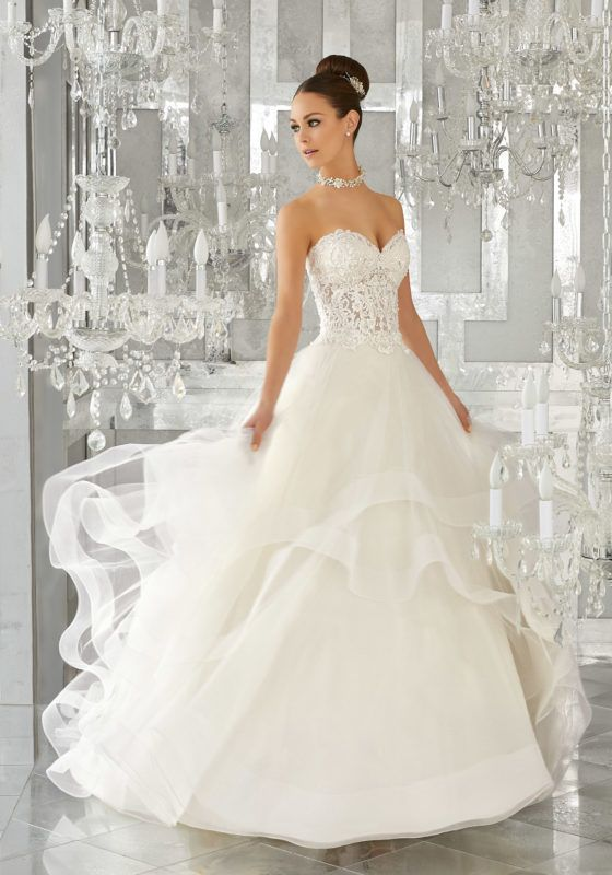 Romantic Wedding Dress Idea