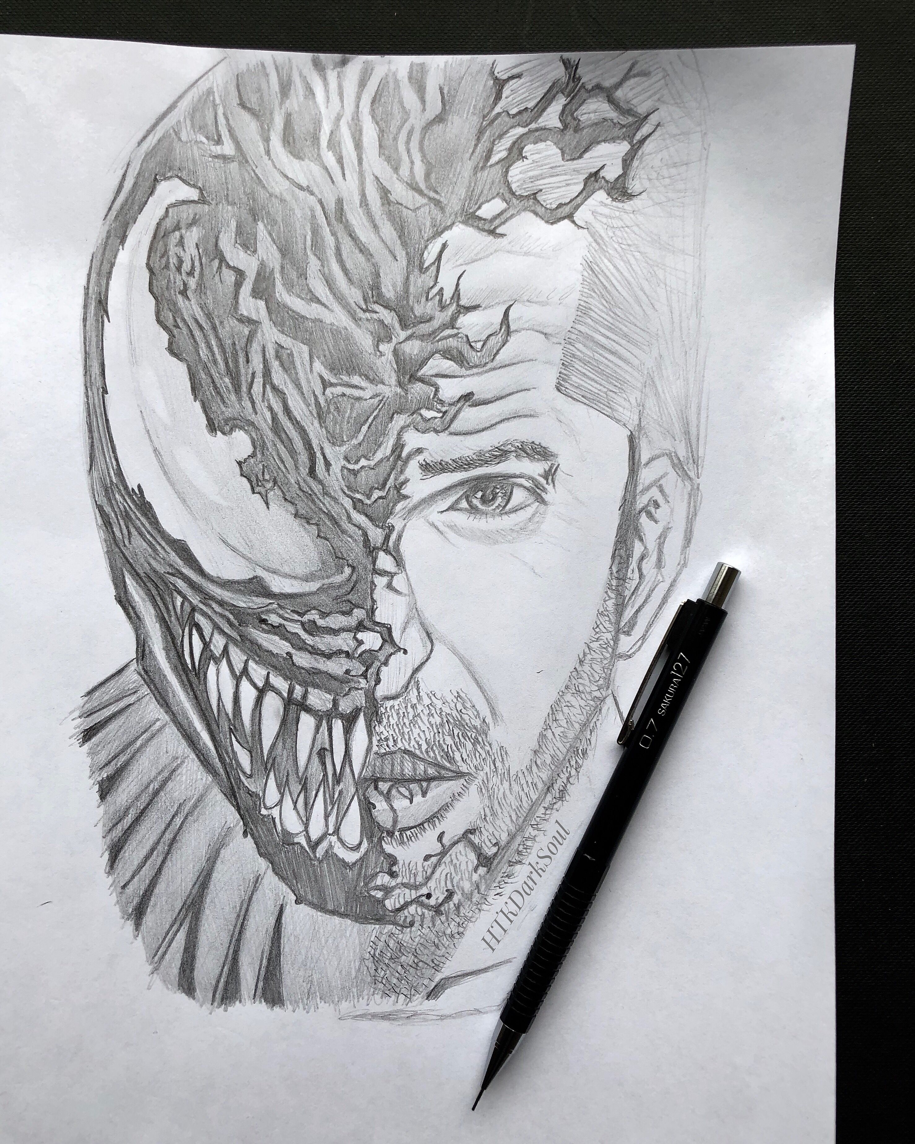 I tried to draw the venom wallpaper in pencil with a few of my own touches drawn by htkdarksoul