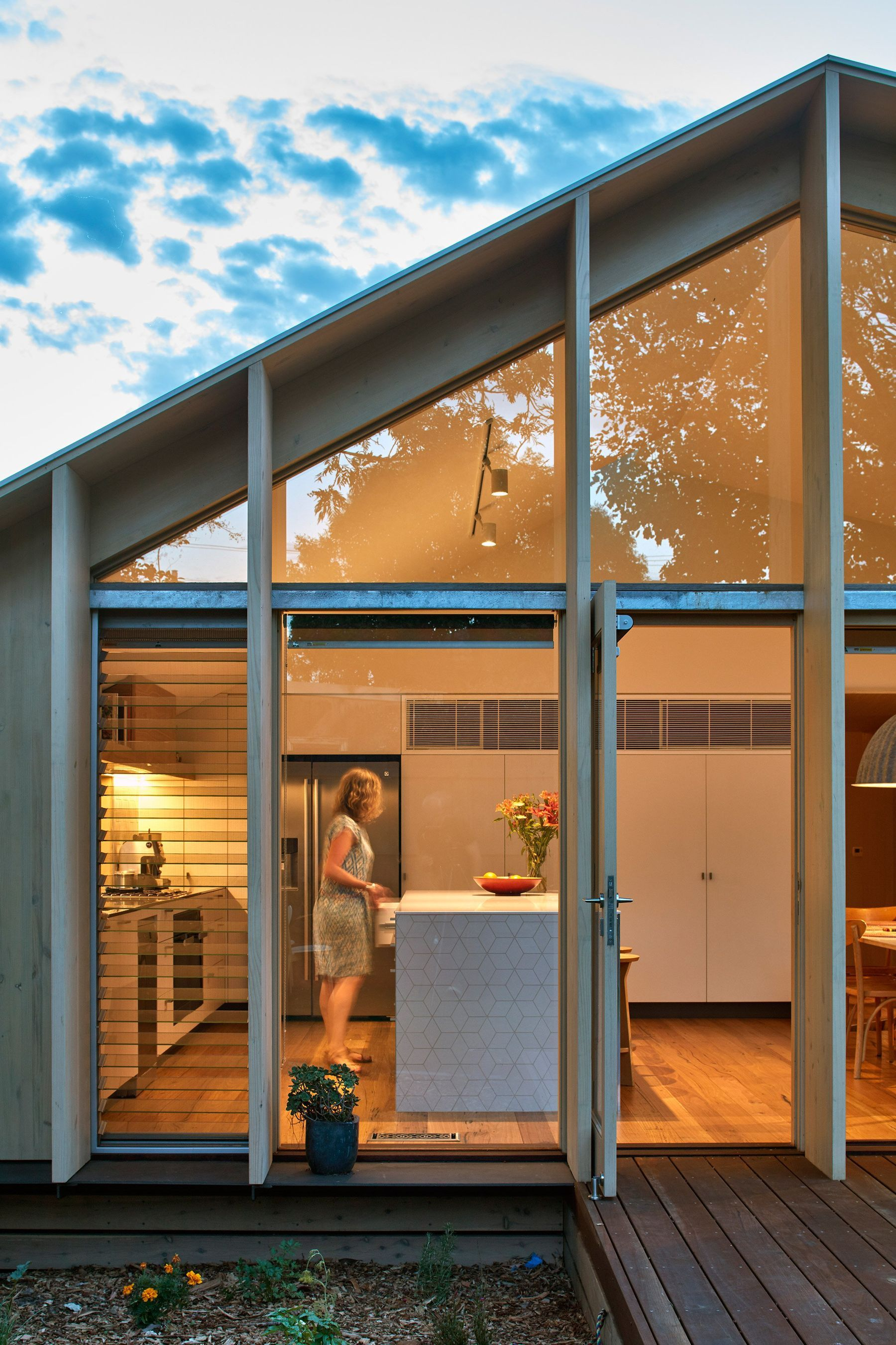 Exterior Design Auckland New Zealand Flat Roof House House Paint Exterior House Roof