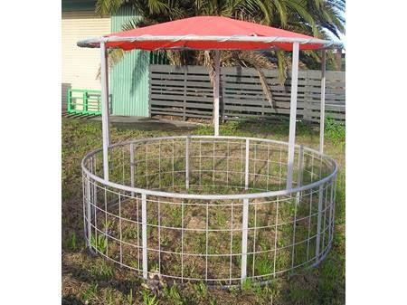 Products | Covered Hay Feeder | round and roundbale ...