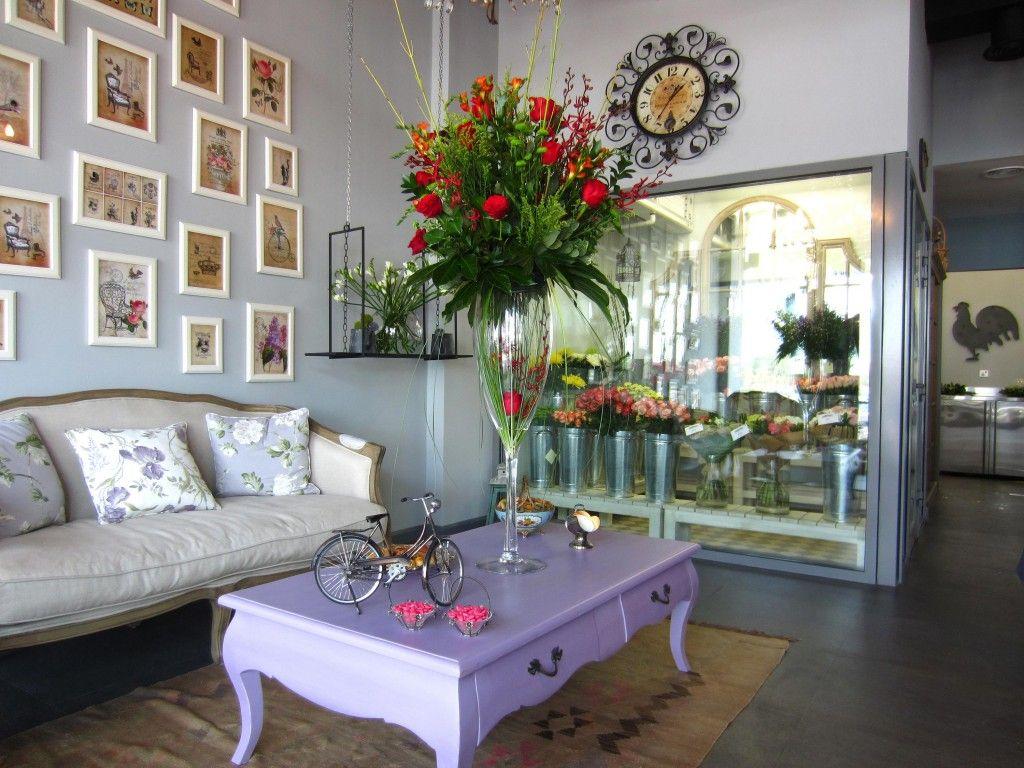 I love Mayflower flower shop in Dubai ♥ Flower shop