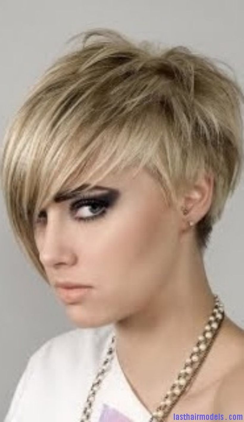 Funky short pixie haircut with long bangs ideas frisyrer i