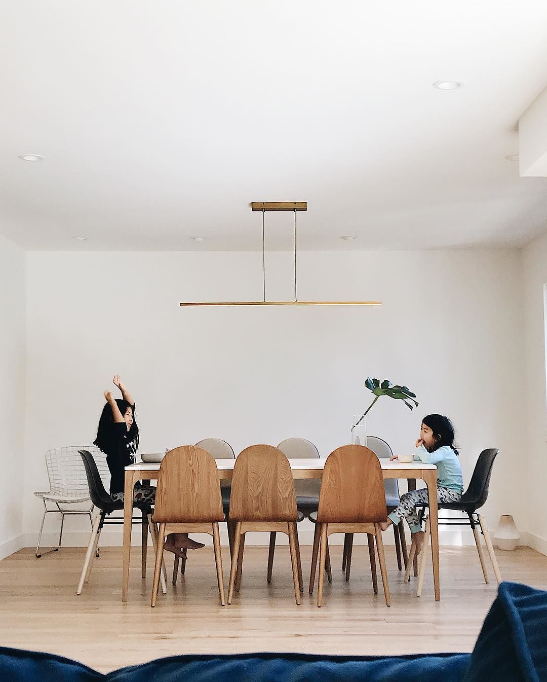 Defined by its crisp clean design and straight lines the essence linear pendant light by lbl lighting is the ultimate display of modern minimalism in this