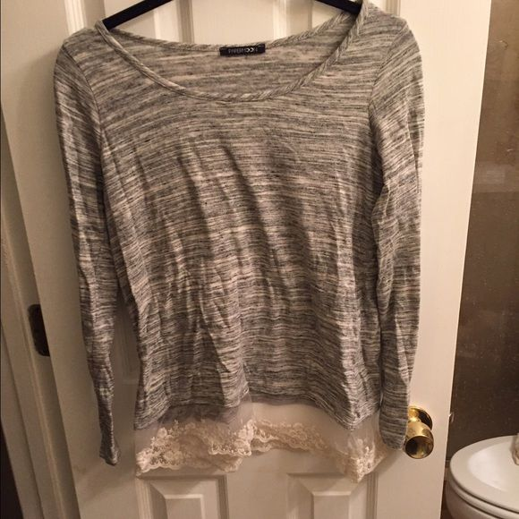 Grey top with lace bottom Long sleeve grey top with pretty lace edge around bottom of shirt Papermoon Tops Tees - Long Sleeve
