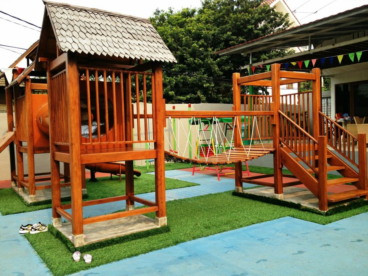 Ideas Awesome Backyard Playset With Swing Bridge And Slider Inspiring Design Beautiful Playhouse For Your Lovely Kids
