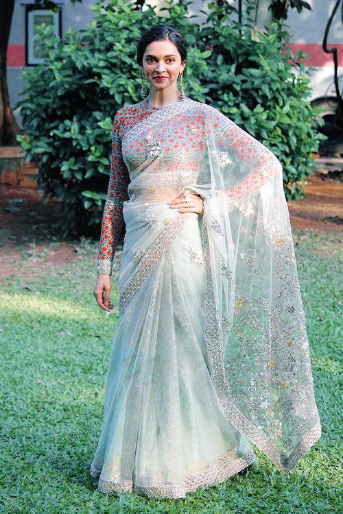 Best 25+ Deepika padukone in saree ideas on Pinterest ...