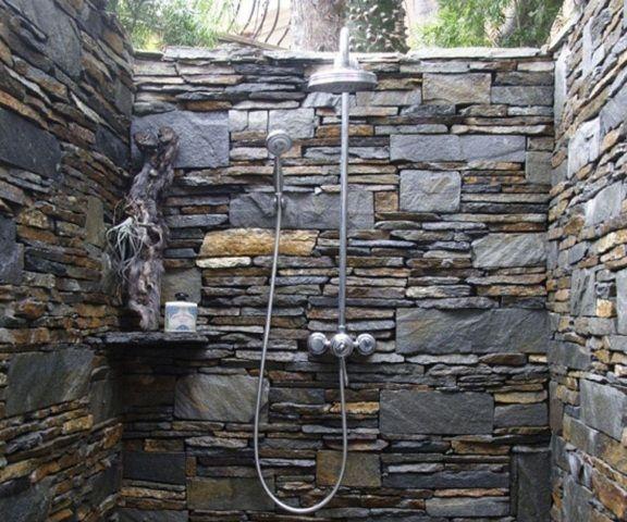 Natuursteen Wand Badkamer : Badkamer met stenen muur stenen muur badkamer vochtige badkamer