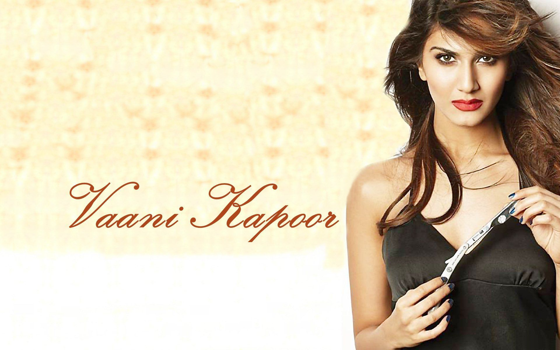 vaani kapoor Wallpapers Hot and Vaani Kapoor