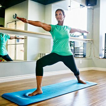 a 10minute morning yoga routine to sculpt your body