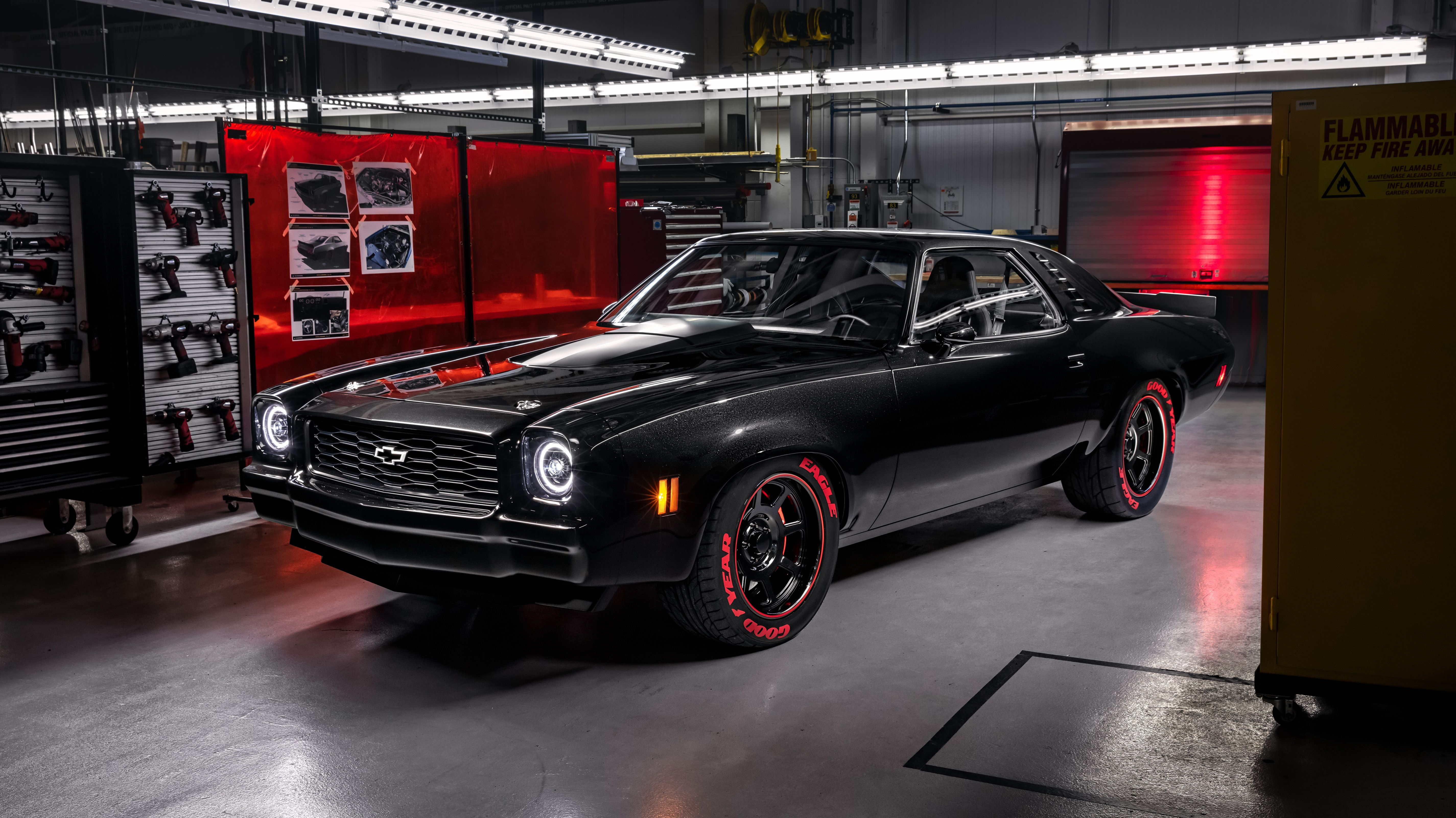 Chevrolet Is Showing Its Newest Crate Engines In Three Vintage Concepts Chevrolet Chevelle Chevrolet Wallpaper Chevelle