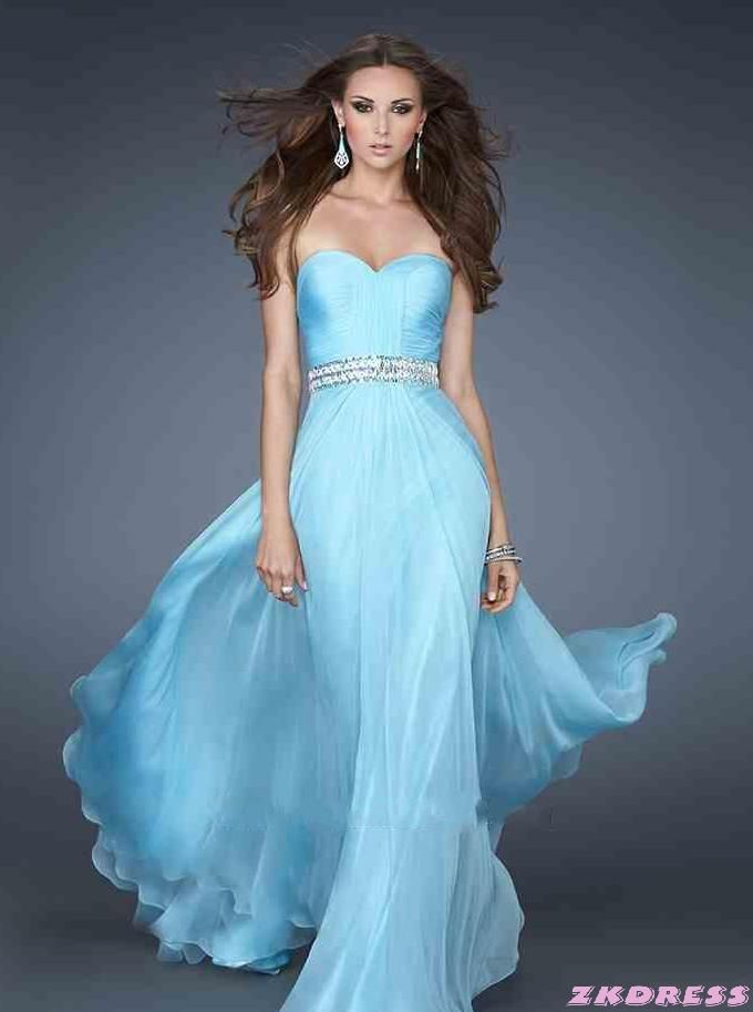 Prom dresses  Prom dresses. Allison Brooke Atkins would look Great in this one....