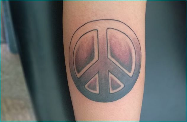 194f00735 26 Cool Peace Sign Tattoo Meaning and Ideas | Cool Peace Sign Tattoo ...