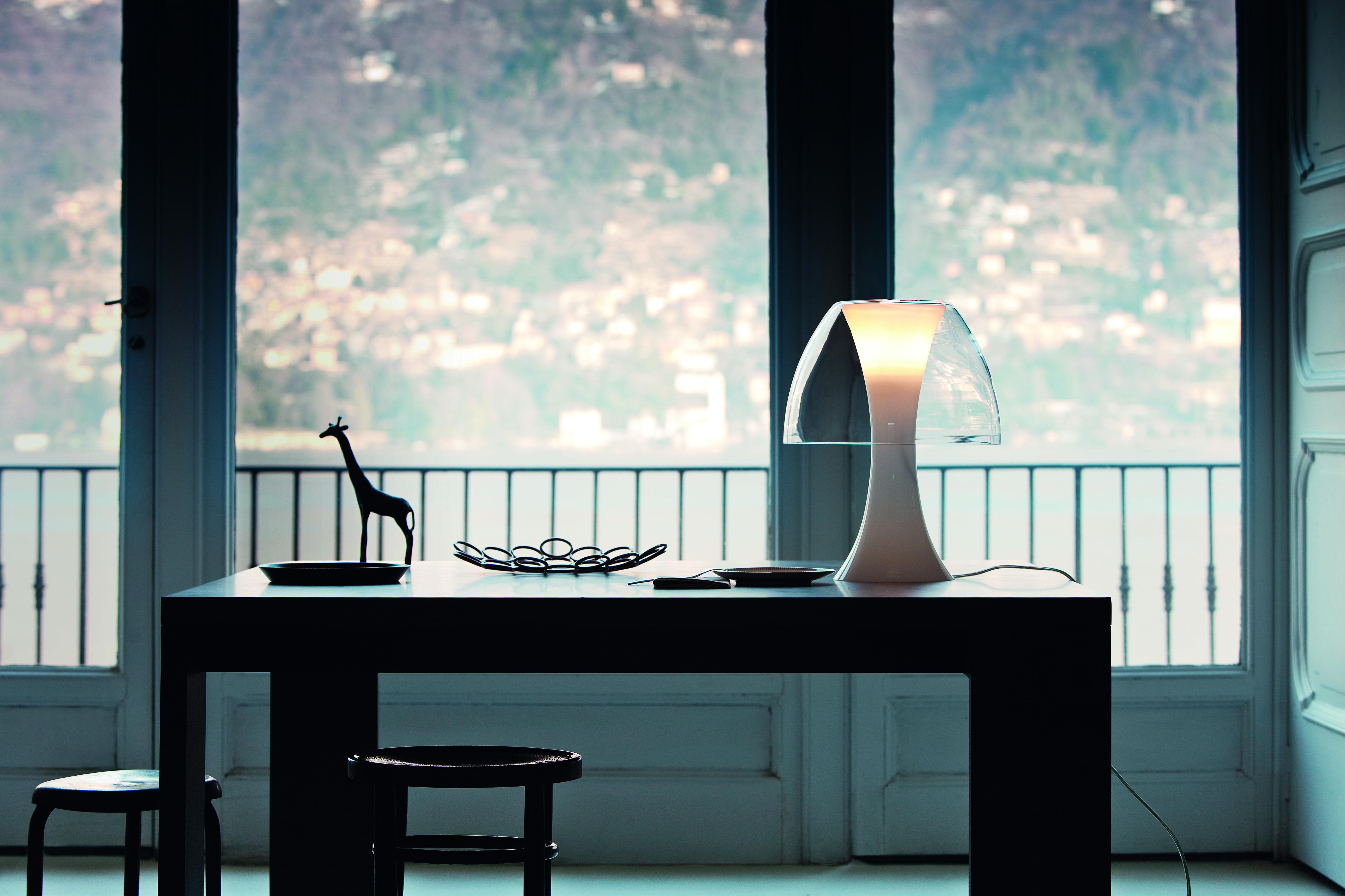 Table salle a manger rose: table de salle a manger. quartz laque ...