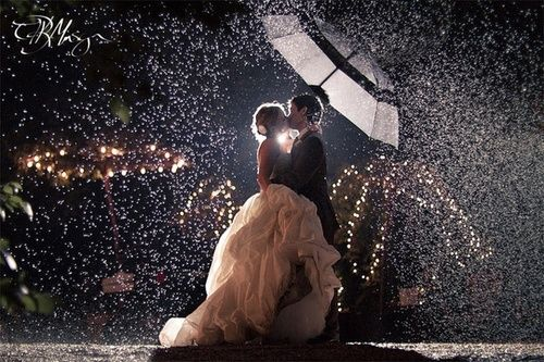 Life somewhere in the middle wedding wednesday its like rain on life somewhere in the middle wedding wednesday its like rain on your wedding day junglespirit Image collections