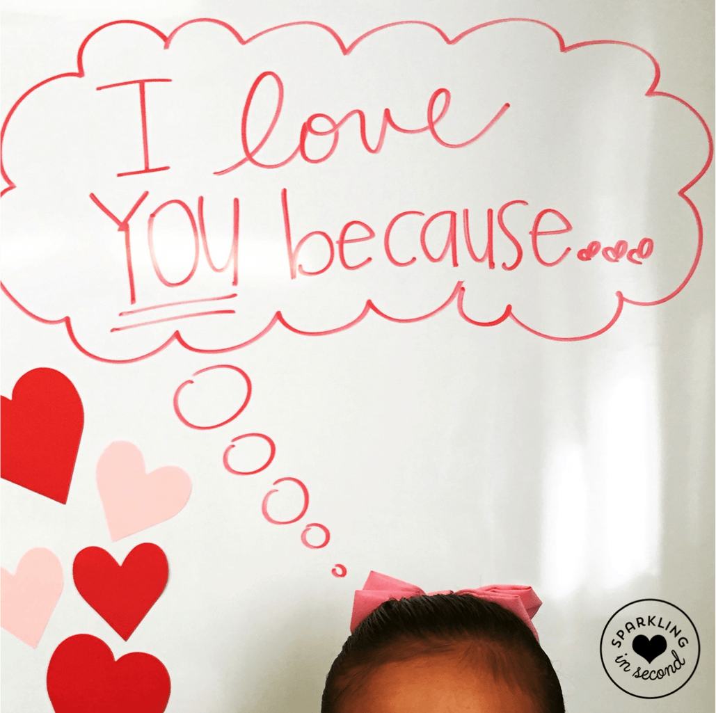 Easy Valentine's Day gifts for parents and students! Kids craft up Valentine's Day cards in the classroom!