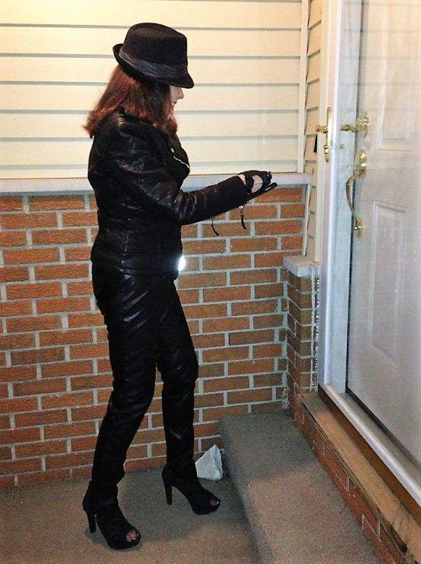 Stylish female cat burglar | Cat Burglar Couture | Leather ...
