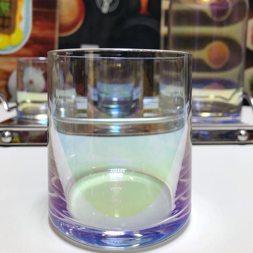 بيت العائلة On Instagram سيت قارورة مع صينية استيل و٤ قدح كريستال السعر ٣٧ الف يوجد توصيل لكافة المحافظات العراق اكسبلور فولو ا In 2021 Glassware Tableware Glass