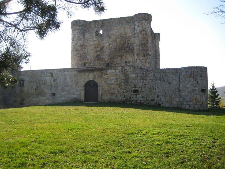 Castillo de Virtus en Burgos  por Javier Albo