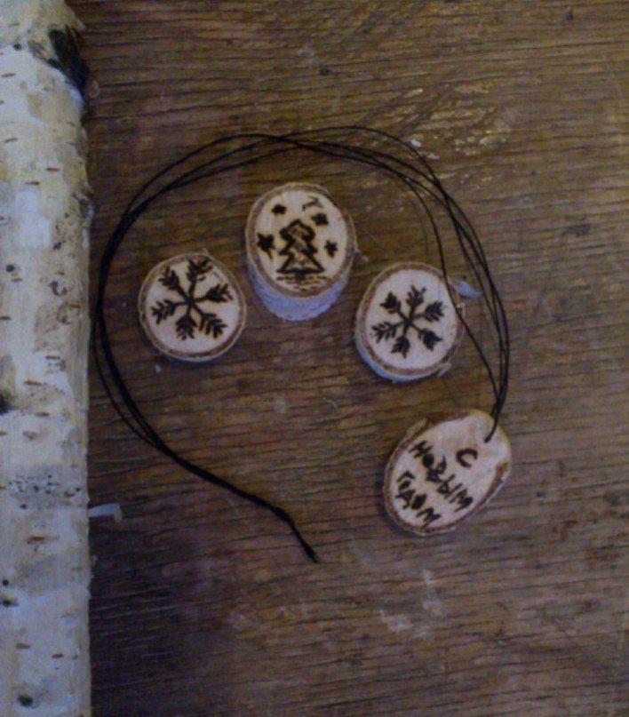 Новогодние сувениры из дерева | Дерево, Сувениры
