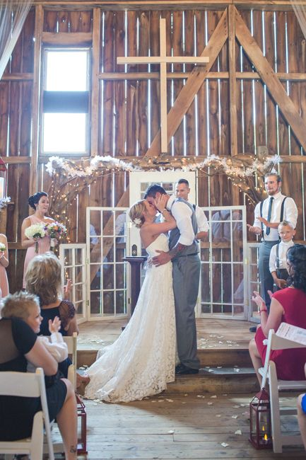 096e17027c2c Rustic Country Style Wedding With Great Ideas For An Outdoor Wedding