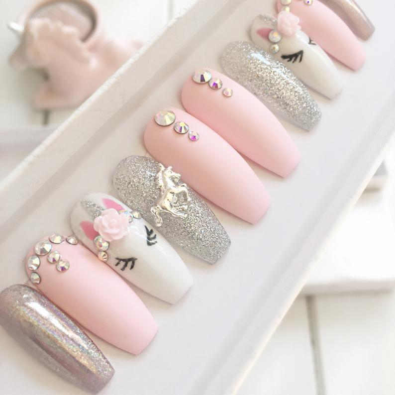 Prensa De Unicornio Rosa En Las Unas Clavos De Aguja Ataud Etsy In 2020 Stiletto Nails Short Stiletto Nails Fake Nails