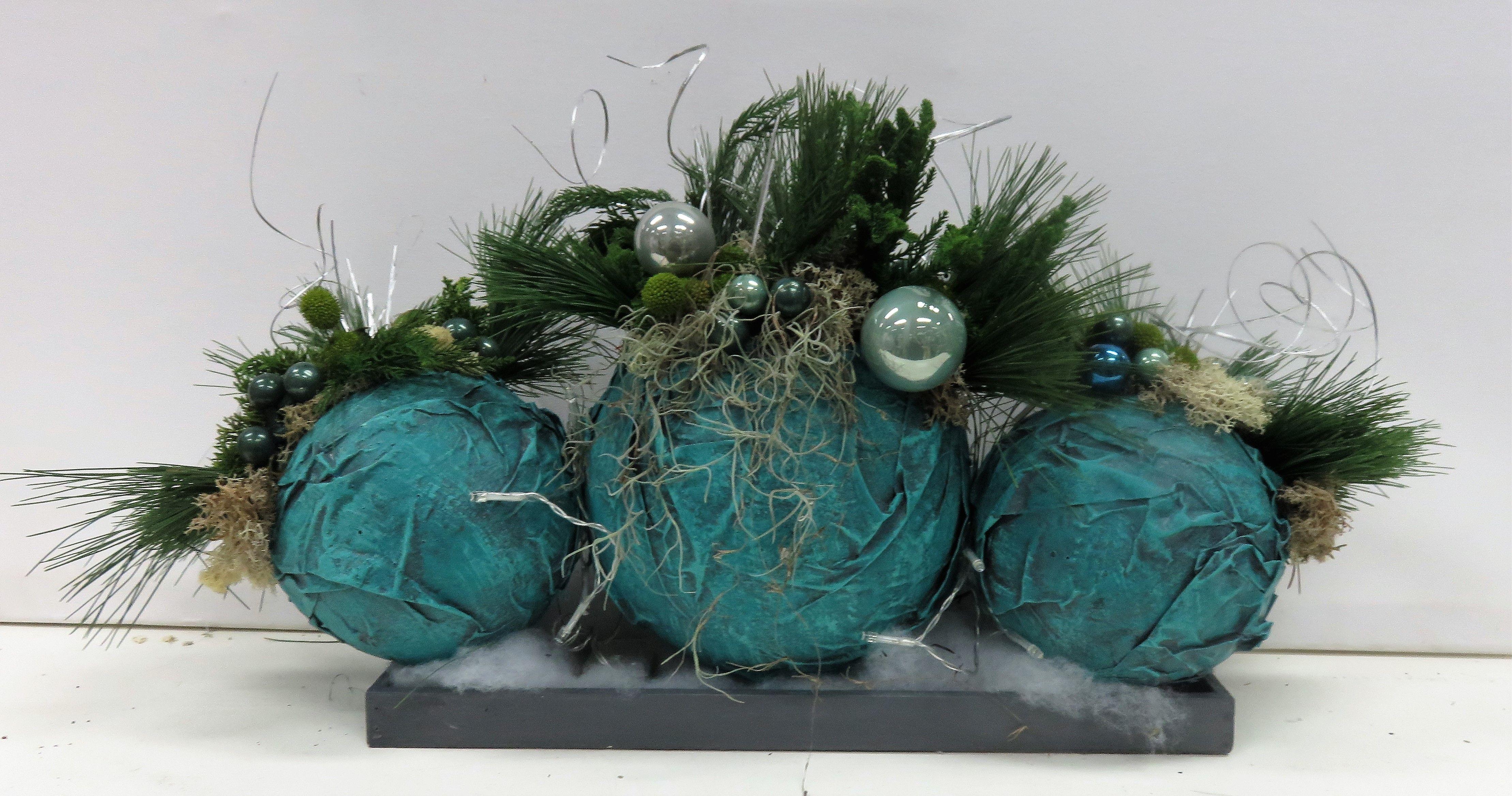 Kerst voorbeeld een tafelstuk gemaakt met keracoat drie